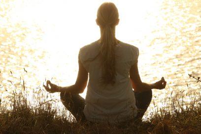 Durch Achtsamkeitsmeditation den Geist beruhigen